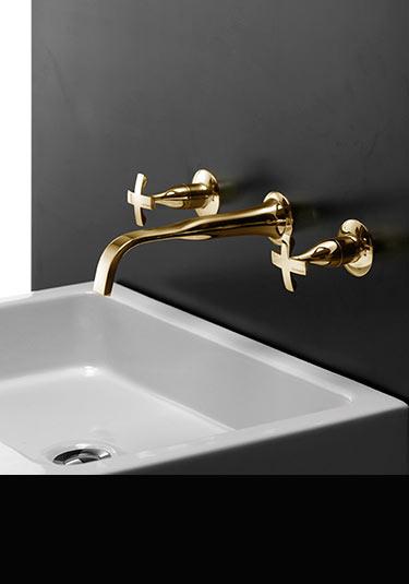 Robinets en or lavabo baignoire pomme de douche coox for Robinetterie murale lavabo